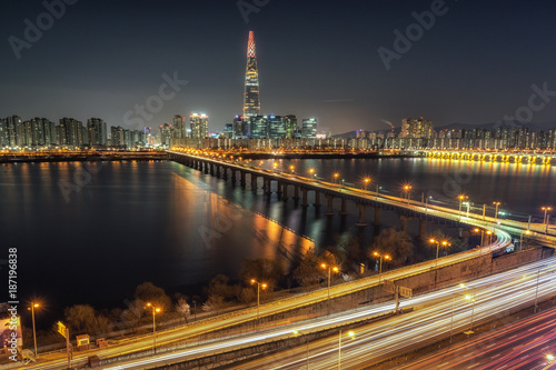 Lotte tower at night