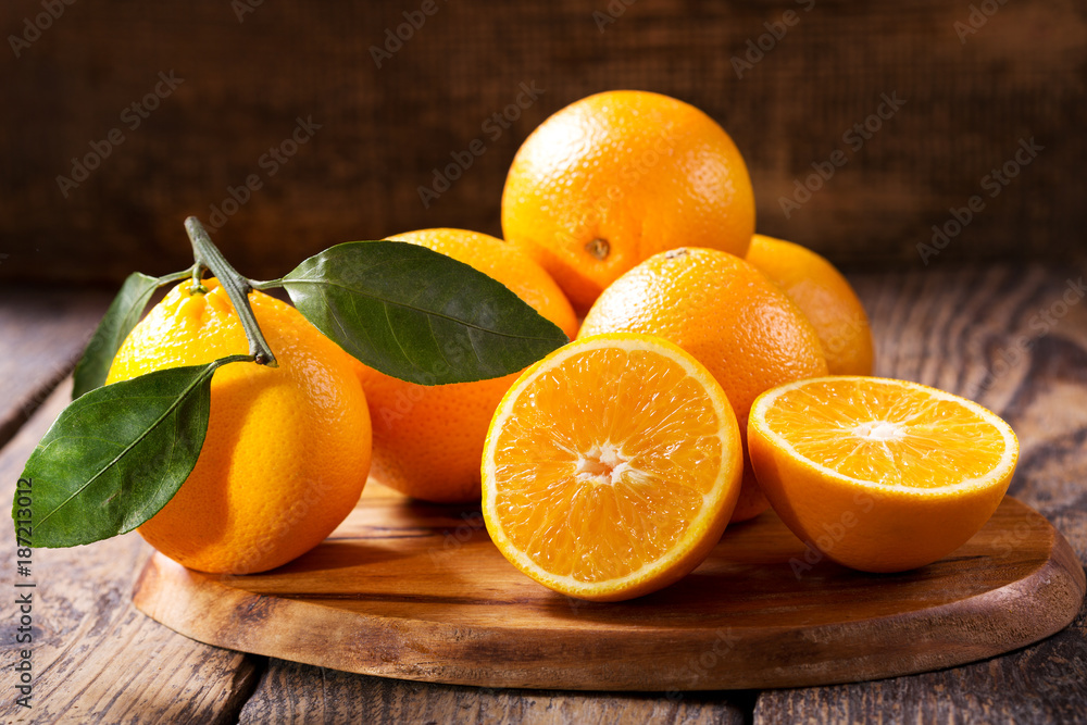 Fototapety, obrazy: fresh orange fruits with leaves