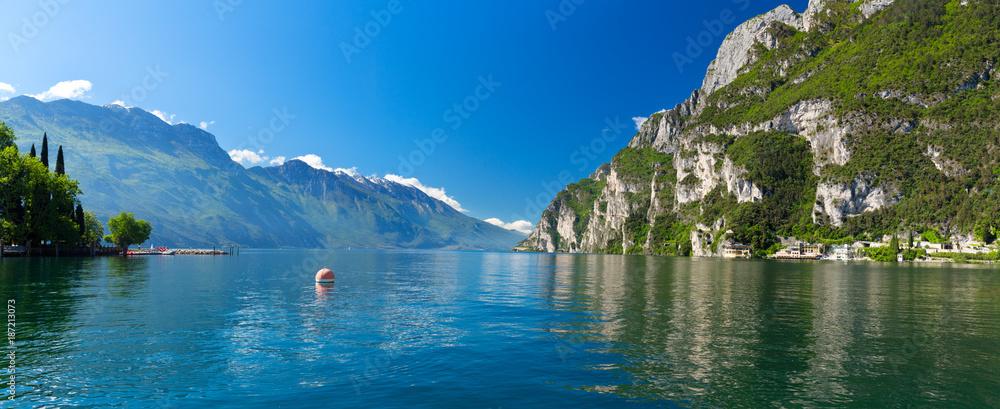 Fototapety, obrazy: Summer view over of lake Garda in Italy