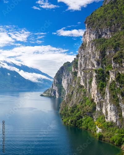 Obraz na płótnie Summer view over of lake Garda in Italy