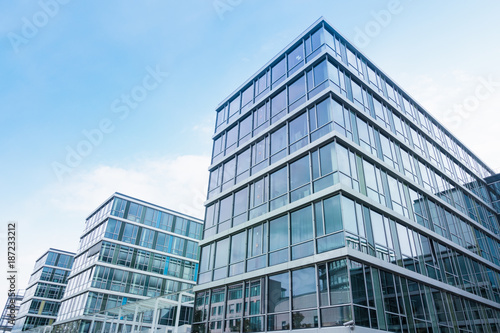 Photo sur Aluminium Batiment Urbain modernes Bürogebäude in Deutschland