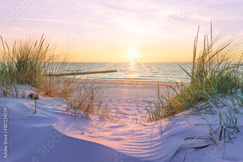 Naklejka premium Zachód słońca nad Morzem Bałtyckim