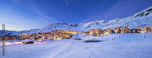 Fototapeta Panorama of Val Thorens by night obraz