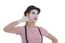 Jeune Fille Mime Maquillage Blanc Théâtre Mimant Un Coup De Téléphone