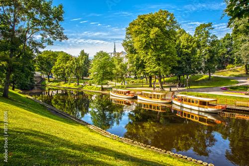 Obraz na plátně Beautiful autumn park in Riga.
