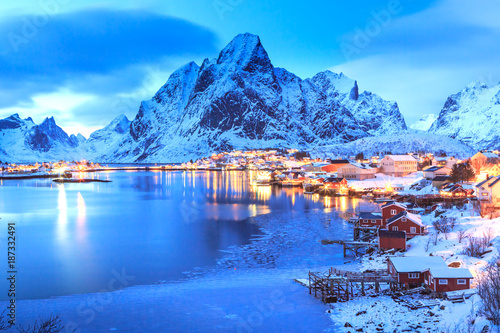 Deurstickers Noord Europa Reine village on Lofoten Islands