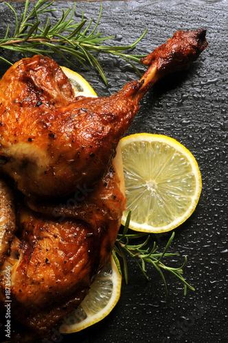 Foto op Aluminium Kip Grillaður kjúklingur Pollo asado ローストチキン arrosto Brathähnchen Roast chicken Geroosterde kip