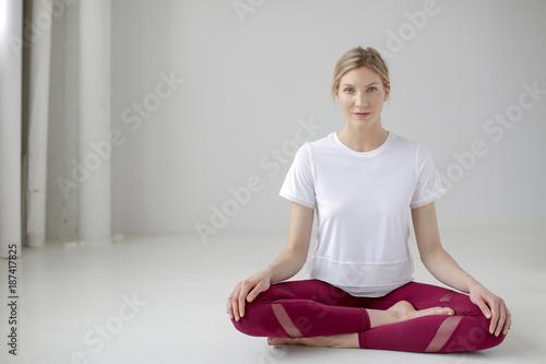Deurstickers School de yoga Yoga