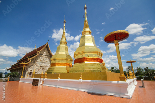 Spoed Foto op Canvas Bedehuis Phra maha chin thar jao montol sala temple, Lamphun Thailand