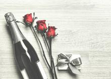 Valentine's Day. Champagne, Gi...