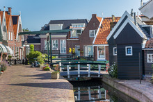Little Canal And Historic Hous...