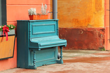 Vintage Weathered Aquamarine P...