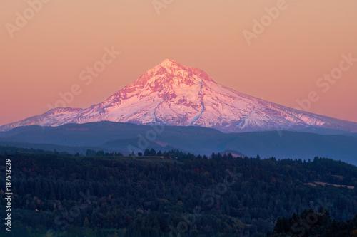 Fotografía  Mount Hood view from Jonsrud Viewpoint at sunset