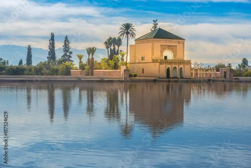 Odrestaurowany pawilon ogrodowy Saadii, Ogrody Menara, Marrakesz, Maroko