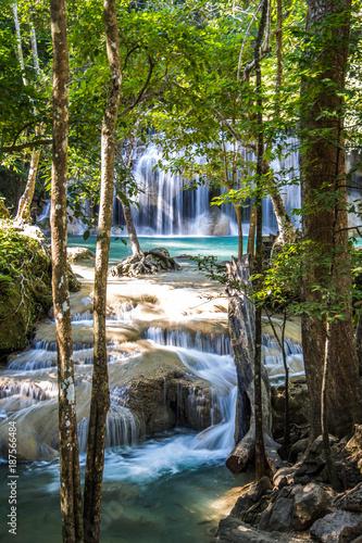 Poster Watervallen Erawan waterfalls in Kanchanaburi, Thailand