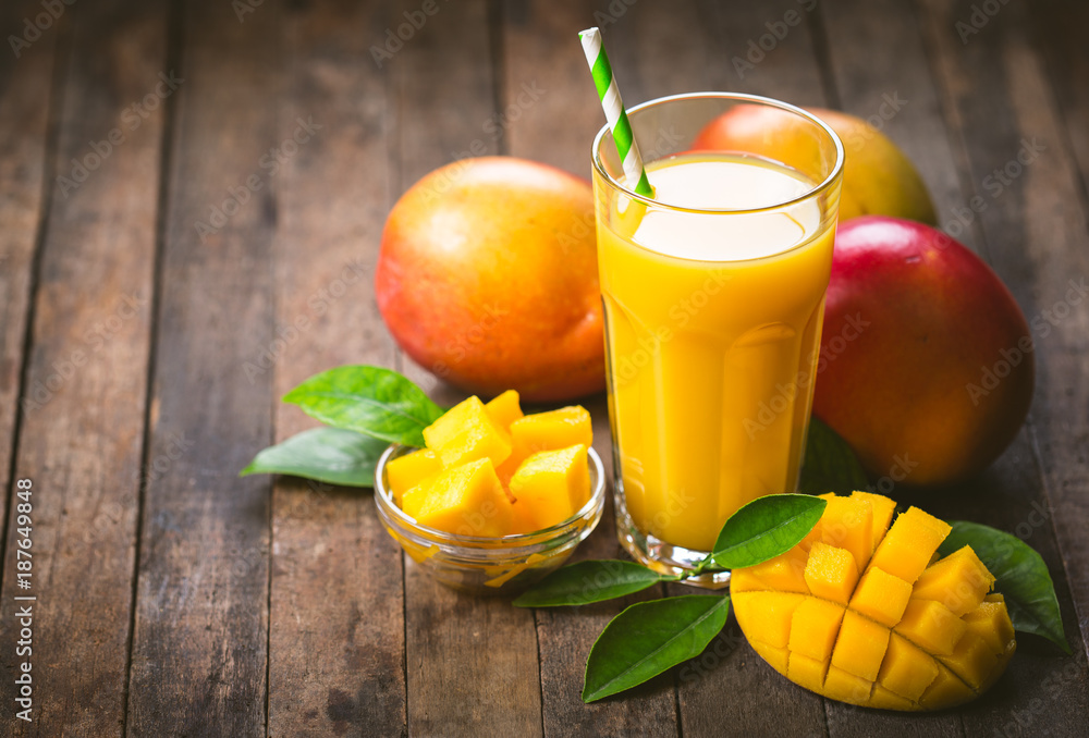 Fototapeta Mango juice in the glass