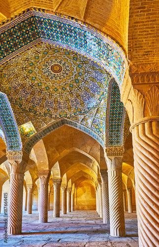 sklepienie-vakil-meczet-shiraz-iran