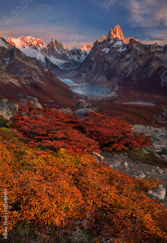 Stampa su Tela Autumn in Fitzroy mountain, Southern Patagonia, on the border between Argentina and Chile