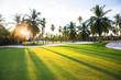 canvas print picture - Golfplatz im Abendlicht