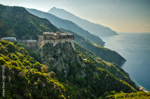 Photo The monastery of Simonopetra in Mount Athos monastic republic, Greece