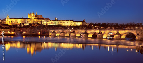 Poster Praag Prague at night, Charles Bridge and the Castle