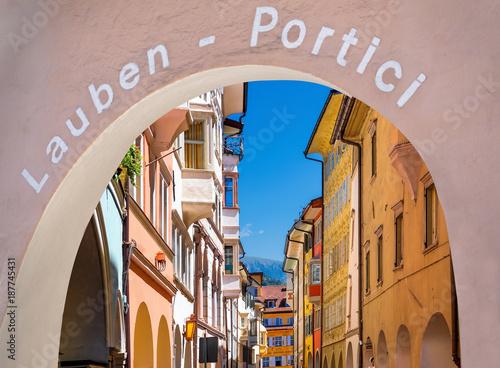 Fotografie, Obraz  Bozen, Laubengasse, Südtirol