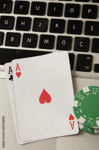 фотография  laptop computer and online gambling theme