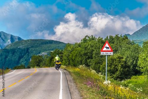 Poster Nieuw Zeeland Bicycling across Lofoten Islands, Nordland, Norway.