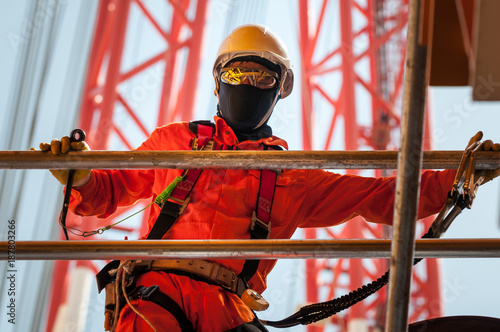 Papiers peints Statue Trabalhador offshore na indústria de petróleo e gas em Angola