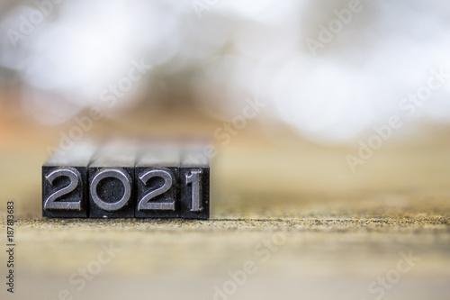 Fotografia  2021 Concept Vintage Metal Letterpress Word