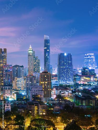 Poster Chicago Vertical image of Bangkok urban skyline aerial view at night.