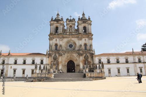 Vászonkép Portugal, parvis du monastère d'Alcobaça