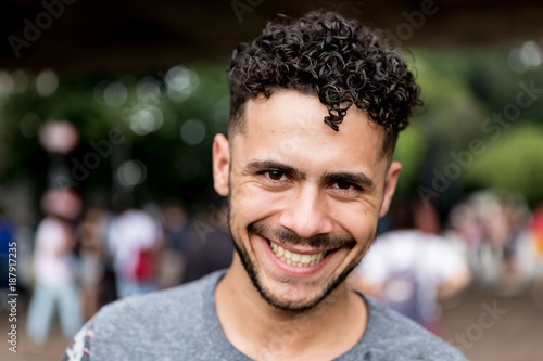Foto Potrait of Brazilian Gay Man Smiling