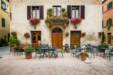 Beautiful Courtyard In Tuscany, Italy In Summer.CR2