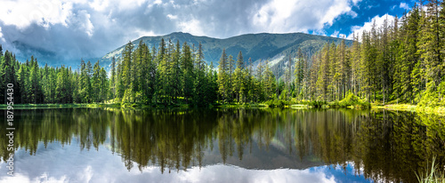 Poster Bergen Panorama of mountain lake in Tatra Mountains, National Park in Poland, summer landscape