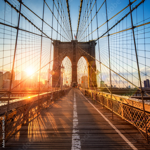 Photo sur Toile New York City Brooklyn Bridge in New York City, USA