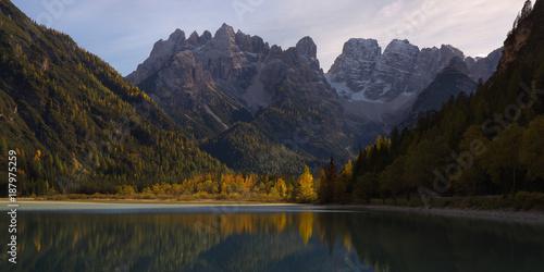Foto auf Gartenposter Reflexion Mountains above the lake Lago di Landro in the fall, Dolomites, Italy