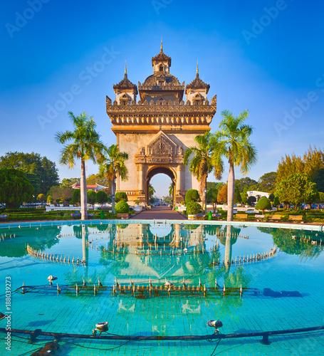 Obraz Patuxay monument in Vientiane, Laos - fototapety do salonu