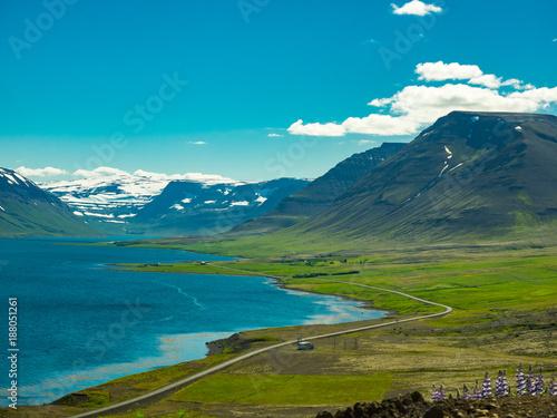 Staande foto Blauwe jeans Fantastic icelandic landscape