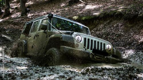Fotografía  Muddy Jeep 2