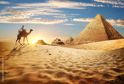 Spoed Foto op Canvas Egypte Sunset in desert