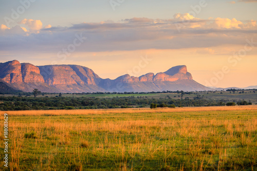 Fotobehang Afrika Sunrise over the waterberg mountains, South Africa