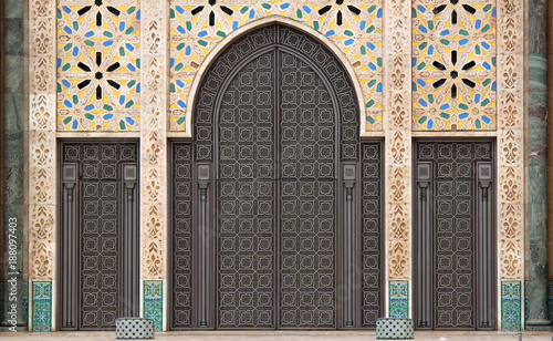 Fotografie, Obraz  Decorated door of Hassan II mosque in Casablanca, Morocco, maroc