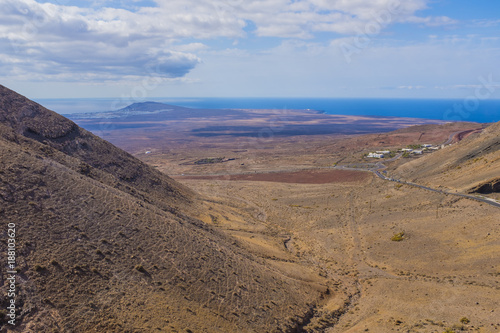 Foto op Plexiglas Canarische Eilanden Volcanic landscape in Lanzarote in day light, Canary islands, Spain