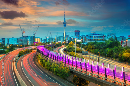 Autocollant pour porte Océanie Auckland. Cityscape image of Auckland skyline, New Zealand at sunset.