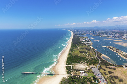 Sunny aerial view of The Spit looking towards Surfers Paradise on the Gold Coast Canvas-taulu