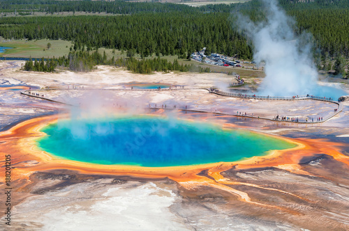 Poster de jardin Parc Naturel Grand Prismatic Spring - Thermal pool in Yellowstone national park.
