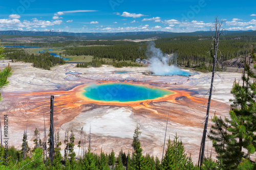 Poster de jardin Parc Naturel Panorama of Grand Prismatic Spring - Thermal pool in Yellowstone national park.