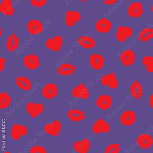 czerwone-usta-i-serca-na-fioletowym-tle