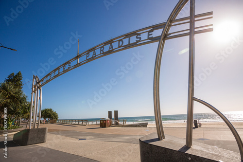 Fényképezés  Gold Coast, Queensland/Australia - 15 January 2018: Morning view of the Surfers Paradise sign at the intersection of Cavil Ave and The Esplanande